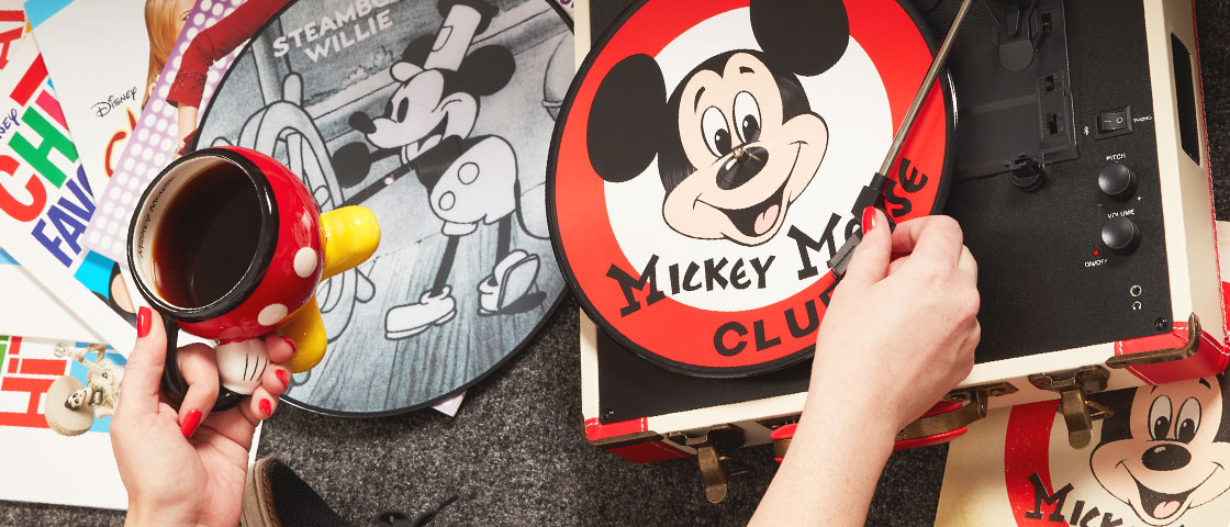 This Holiday Season, Make New Disney Memories with Old School Vinyl Records